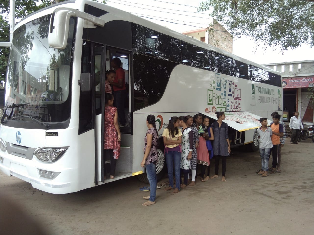niit education on wheels